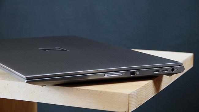 Bien que fine et légère, la ZBook Studio propose de bonnes options de connexion